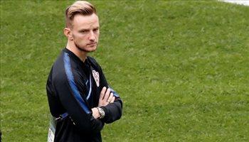 راكيتيتش يعلن قراره النهائي برفض الرحيل عن برشلونة