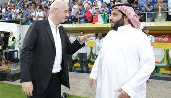 رئيس الفيفا يتحدث عن مقترحات جديدة بشأن تنظيم مونديال 2022