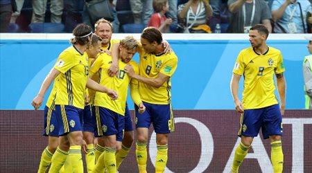 """ليس الهلال أو النصر.. الجنون """"يقود"""" نجم السويد إلى المملكة"""