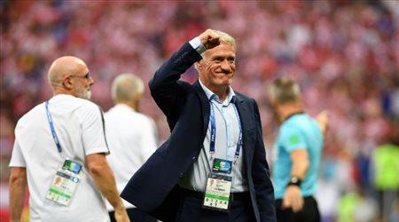 """مدرب فرنسا يرحب بمواجهة الجزائر وبلماضي يتهرب """"بشياكة"""""""