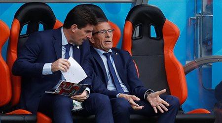 بعد 15 عاما في منصبه.. مدرب أوروجواي مهدد بالإقالة