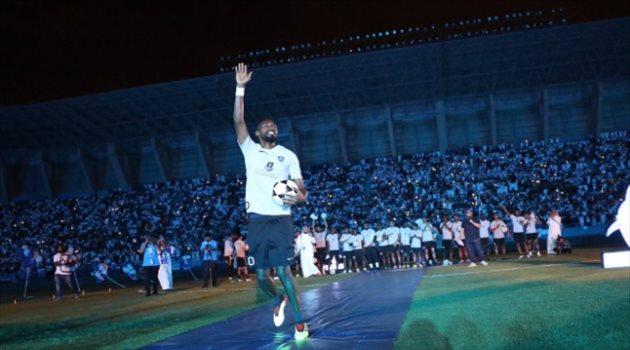 جحفلي خلال حفل تقديم لاعبي الهلال أمام الجماهير