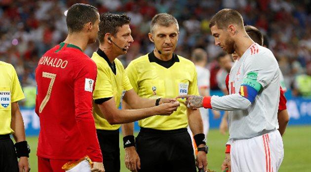 القائدان كرستيانو رونالدو وسيرجيو راموس قبل مباراة البرتغال وإسبانيا
