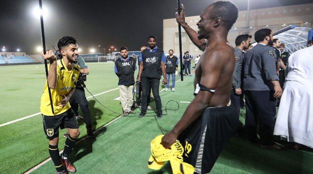 احتفال لاعبو الهلال بالتأهل لنهائي كأس خادم الحرمين الشريفين