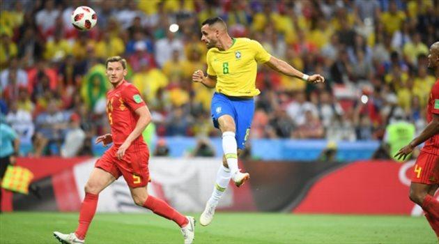 الهدف الأول للبرازيل عبر اللاعب ريناتو أوجستو من ضربة رأسية