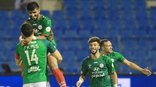 احتفال لاعبي الاتفاق بهدف محمد الكويكبي