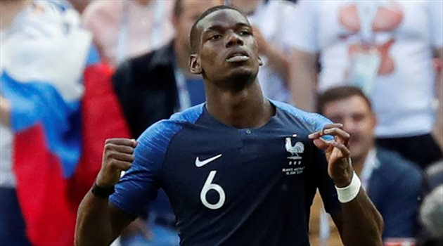 بول بوجبا يحتفل بهدفه الثاني لفرنسا في مباراة فرنسا وأستراليا