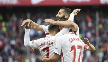 إشبيلية يهزم ألافيس ويحتل خامس الدوري الإسباني