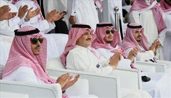 """الأمير سعود بن نايف يحضر الجولة الاستعراضية لسباق الفورمولا1 للزوارق السريعة """"F1H2O"""""""