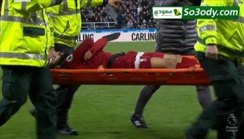 محمد صلاح يتعرض للاصابة خطيرة امام نيوكاسل  تمنعه من استكمال المباراة و خروجة على نقالة
