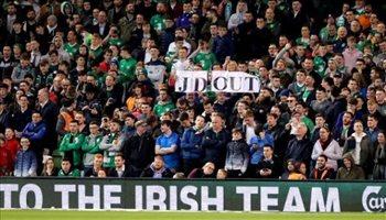 بالصور| سر رمي كرات التنس من جمهور آيرلندا بتصفيات يورو 2020