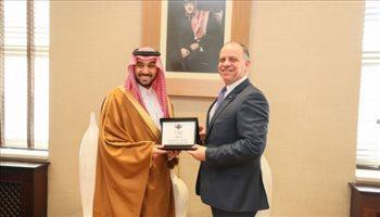 الأمير عبد العزيز بن تركي الفيصل يلتقي برئيس الأولمبية الأردنية