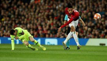 سولسكاير يكشف سرا عن لاعبي برشلونة والحكام