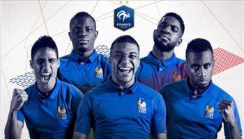 فرنسا تظهر بأزياء احتفالية في تصفيات كأس الأمم الأوروبية