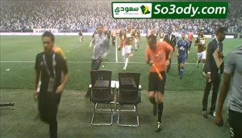 أحداث مثيرة بعد نهاية المباراة بين لاعبي الهلال وأحد
