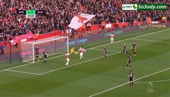 اوباميانج يحرز هدف أرسنال الثاني في مرمي بيرنلي .. الدوري الإنجليزي