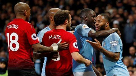 جوارديولا يعنف ستيرلينج بعد محاولته الاستهزاء من مانشستر يونايتد