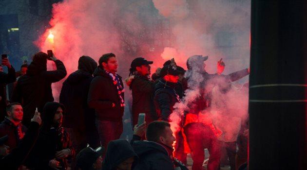 جماهير سان جيرمان تسيطر على شوارع مانشستر قبل مباراة يونايتد بأبطال أوروبا