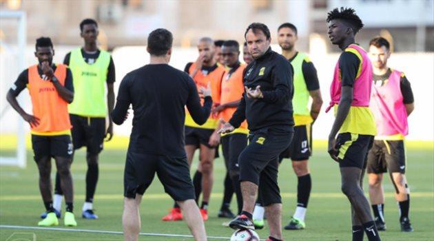 سييرا يمنح لاعبي الاتحاد راحة 5 أيام