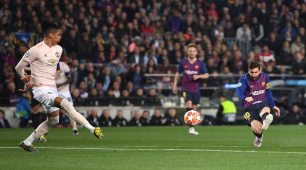 ميسي عقدة الأنجليز بدوري الأبطال في ليلة السقوط التاريخي لمانشستر يونايتد