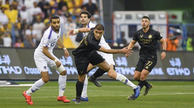 """إعلامي عن إجهاد اللاعبين: السعودي على أرض الملعب """"مدلل"""""""