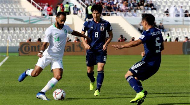 عبد الله عطيف في مباراة السعودية واليابان