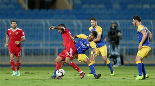 اتحاد الكرة يعلن حكام مباراتي السبت بدوري المحترفين