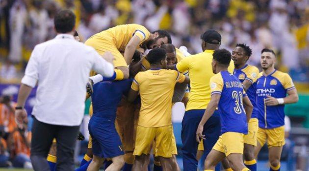 النصر يكتب التاريخ.. 8 أرقام في ليلة تتويج العالمي بطلا لدوري المحترفين