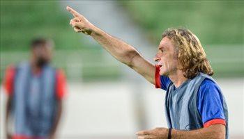 كارينيو يكرم لاعبي الوحدة بقرار حاسم بعد تخطي الاتحاد