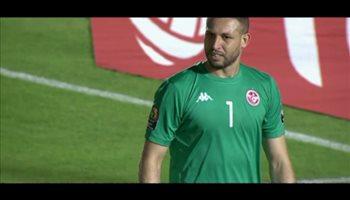 خطأ فادح من حارس الشباب يتسبب في هدف بمرمى تونس