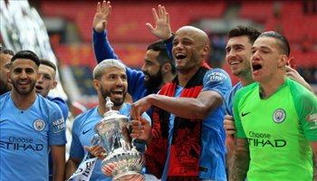 """سيتي أول فريق يحقق الثلاثية """"المحلية"""" في إنجلترا وإنجاز """"فريد"""" لجوارديولا"""