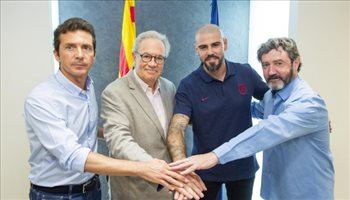 رسميا.. فالديز يعود إلى برشلونة مدربا