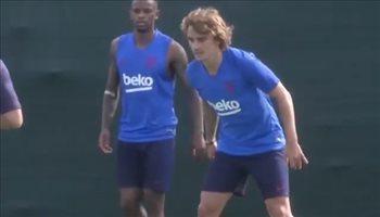 """جريزمان يهان """"كرويا"""" في أول تدريب مع برشلونة"""