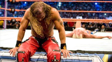 """WWE"" يكشف الستار عن الفيلم الوثائقي لثنائي قاعة المشاهير"