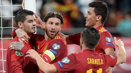 مفاجآت بالجملة في قائمة إسبانيا لمواجهات تصفيات مونديال 2022