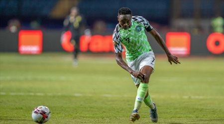 "موسى يطيح بـ""قاهر الفراعنة"" ويقود نيجيريا لنصف نهائي أمم إفريقيا"
