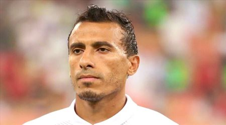 صورة| ظهير الأهلي السابق يواسي الزمالك بعد خسارة الدوري المصري