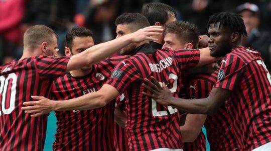ميلان يعود.. الفريق يتخطى عقبة بولونيا بثلاثية في الدوري الإيطالي