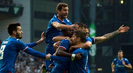 لاعب الهلال يحرز هدفا في تصفيات دوري أبطال أوروبا