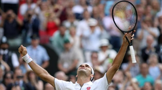"""فيدرر يربح """"كلاسيكو التنس"""" ضد نادال ويتأهل لمواجهة دجوكوفيتش في نهائي ويمبلدون"""