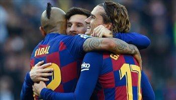 برشلونة يخضع لسطوة نجومه بتخفيض الرواتب بنسبة ضئيلة