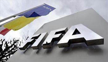 فيفا يدرس قرار مثير لقيد اللاعبين الصيف المقبل