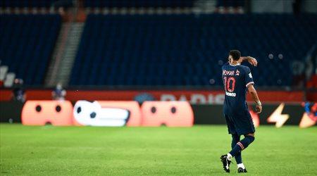 """بوكيتينو: لن أخاطر بـ""""نيمار"""" أمام برشلونة.. """"تصريحات صادمة"""""""