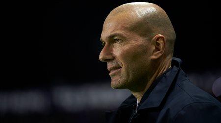 """زيدان يبعث رسالة """"خاصة"""" إلى نجوم ريال مدريد.. قبل عودة الدوري الإسباني"""