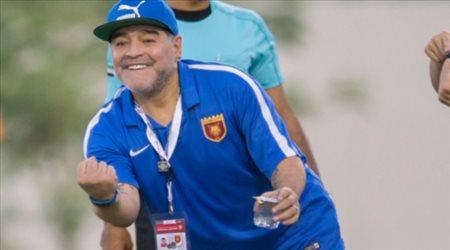 """نجم الشارقة يتغزل في مبخوت.. ويؤكد: """"مارادونا صاحب الفضل عليّ"""""""