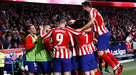 """نجم أتلتيكو مدريد السابق يكشف.. """"ميسي يستحق الكرة الذهبية كل عام"""""""