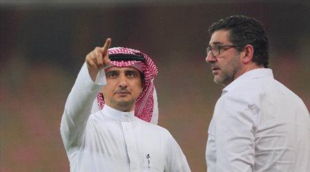 """دوري المحترفين  الحلافي يجتمع بمدرب النصر.. """"في استراحة مباراة الشباب"""""""