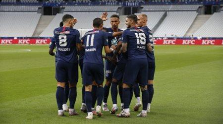 """باريس سان جيرمان يتوج بـ""""كأس فرنسا"""".. بهدف نيمار ضد سانت إتيان"""