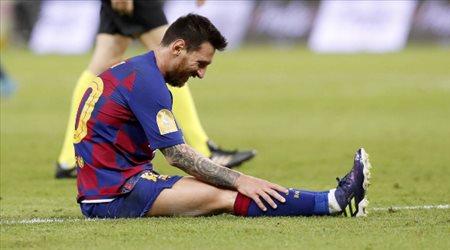 أسطورة برشلونة غاضبا: ميسي رفض تعويض سواريز.. وينتقد إدارة النادي بشدة