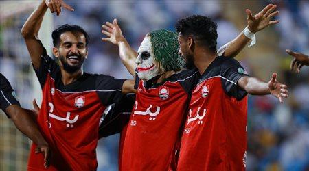"""ديربي بـ8 أهداف.. """"سحر الجوكر"""" يقود الرائد لفوز دراماتيكي على التعاون"""